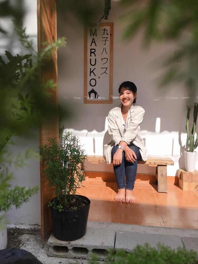 Chán phòng trọ nóng bức chật chội ở thành phố, cặp vợ chồng vay 350 triệu lên Đà Lạt cải tạo nhà cũ theo phong cách tối giản kiểu Nhật vừa ở vừa kinh doanh - Ảnh 17.