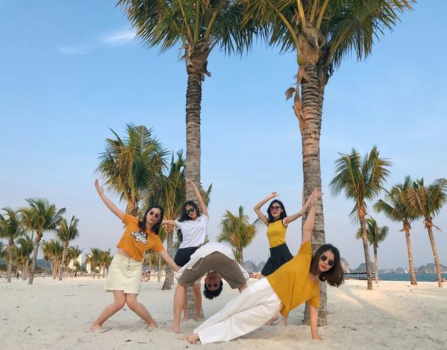 Hạ Long kích cầu du lịch, nhóm bạn than trời Quá rẻ: Đồ ăn ngon, cảnh đẹp, nhiều hoạt động dành cho tập thể - Ảnh 3.