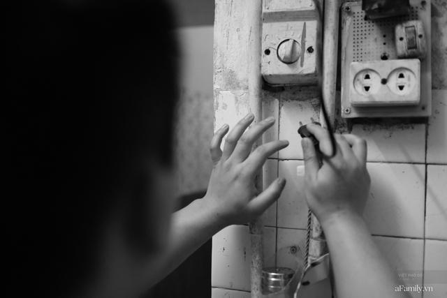 Chuyện của cô Lụa ô sin: Con cái phụng dưỡng đủ đầy vẫn đến Hà Nội để làm bàn tay và đôi mắt cho những người khiếm thị - Ảnh 3.