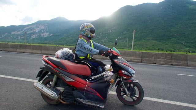 Đi phượt 30 tỉnh/thành bằng xe lăn, nam thanh niên 29 tuổi mong có bằng lái quốc tế để chinh phục các nước láng giềng - Ảnh 6.
