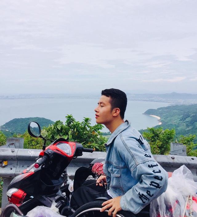 Đi phượt 30 tỉnh/thành bằng xe lăn, nam thanh niên 29 tuổi mong có bằng lái quốc tế để chinh phục các nước láng giềng - Ảnh 7.