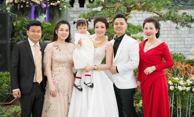 Nhan sắc quyền lực, quý phái của bà chủ tòa lâu đài lộng lẫy ở Nam Định, hóa ra là nhân vật từng rất quen trên mạng xã hội - Ảnh 7.