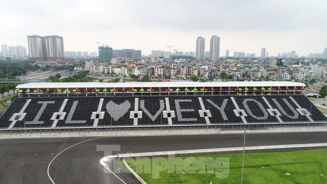 Nhìn gần đường đua F1 cực khác lạ tại Hà Nội trước thông tin sẽ đua cuối năm nay - Ảnh 1.