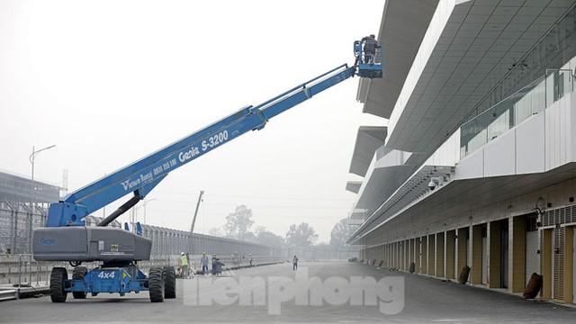 Nhìn gần đường đua F1 cực khác lạ tại Hà Nội trước thông tin sẽ đua cuối năm nay - Ảnh 10.