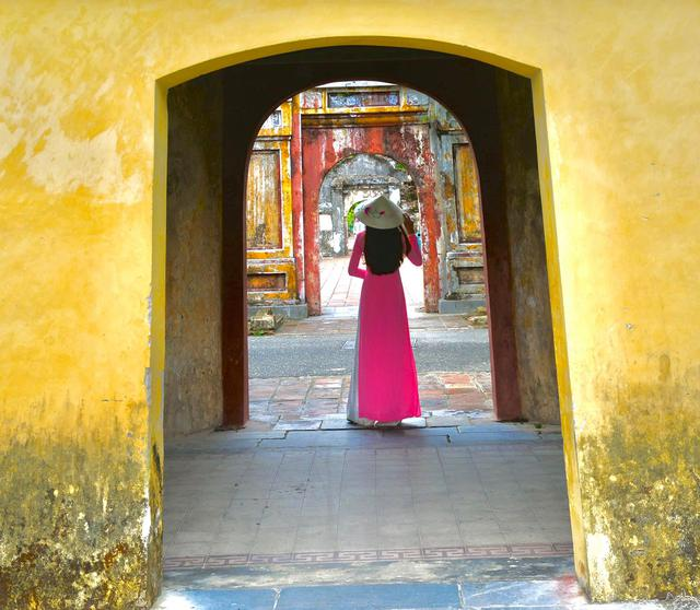 Đưa mẹ đi khắp thế gian: Chuyến du lịch đầu tiên trong đời của mẹ, khám phá Huế - Hội An và giấc mơ dần trọn vẹn - Ảnh 10.