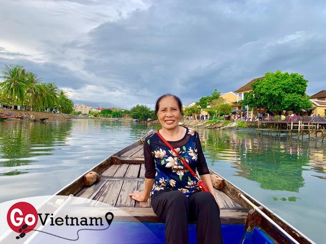 Đưa mẹ đi khắp thế gian: Chuyến du lịch đầu tiên trong đời của mẹ, khám phá Huế - Hội An và giấc mơ dần trọn vẹn - Ảnh 3.