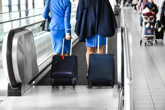 Dù thân thiện là thế nhưng tiếp viên hàng không sẽ rất khó chịu nếu bạn nói ra 7 điều này - Ảnh 5.
