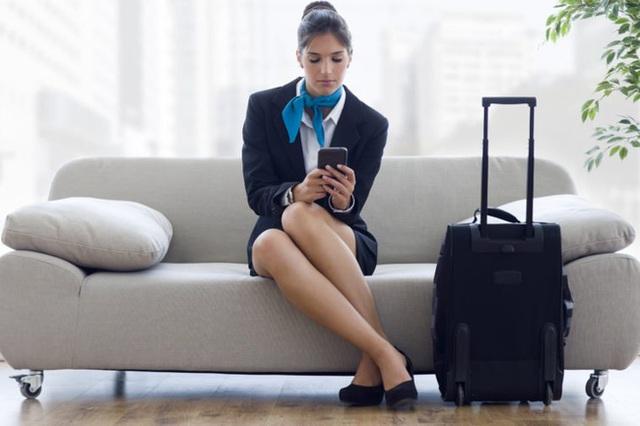 Dù thân thiện là thế nhưng tiếp viên hàng không sẽ rất khó chịu nếu bạn nói ra 7 điều này - Ảnh 7.