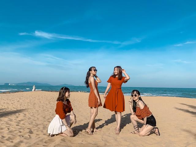 Cách Hà Nội 4 giờ đồng hồ, biển Bãi Đông vừa sạch vừa vắng chi phí chỉ 1 triệu quá hợp lý cho 2 ngày cuối tuần - Ảnh 4.