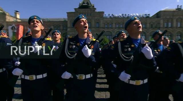 Mãn nhãn với màn duyệt binh hoành tráng nước Nga mừng 75 năm chiến thắng Thế chiến II: 14.000 binh sĩ, 234 khí tài cơ giới và 75 máy bay - Ảnh 12.