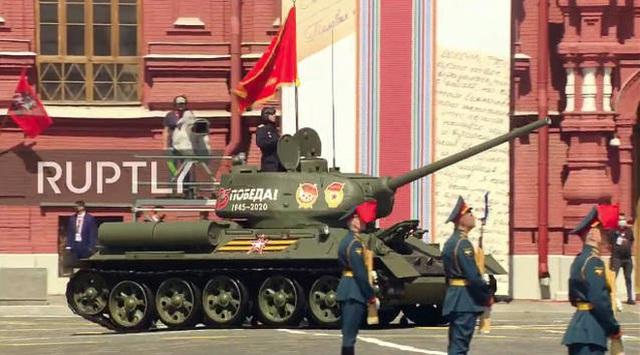 Mãn nhãn với màn duyệt binh hoành tráng nước Nga mừng 75 năm chiến thắng Thế chiến II: 14.000 binh sĩ, 234 khí tài cơ giới và 75 máy bay - Ảnh 38.