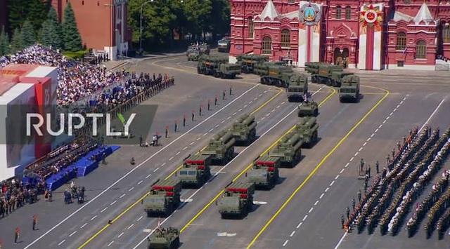Mãn nhãn với màn duyệt binh hoành tráng nước Nga mừng 75 năm chiến thắng Thế chiến II: 14.000 binh sĩ, 234 khí tài cơ giới và 75 máy bay - Ảnh 39.