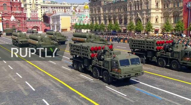 Mãn nhãn với màn duyệt binh hoành tráng nước Nga mừng 75 năm chiến thắng Thế chiến II: 14.000 binh sĩ, 234 khí tài cơ giới và 75 máy bay - Ảnh 40.