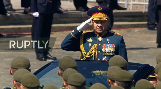 Mãn nhãn với màn duyệt binh hoành tráng nước Nga mừng 75 năm chiến thắng Thế chiến II: 14.000 binh sĩ, 234 khí tài cơ giới và 75 máy bay - Ảnh 10.