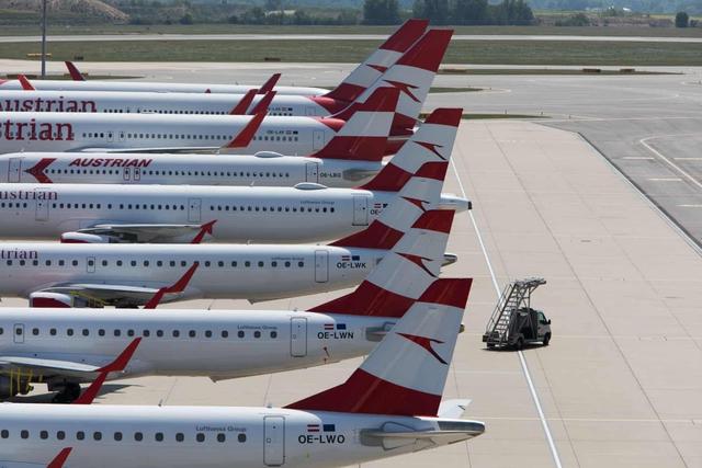 La liệt máy bay nằm không tại sân bay trên khắp thế giới - Ảnh 11.