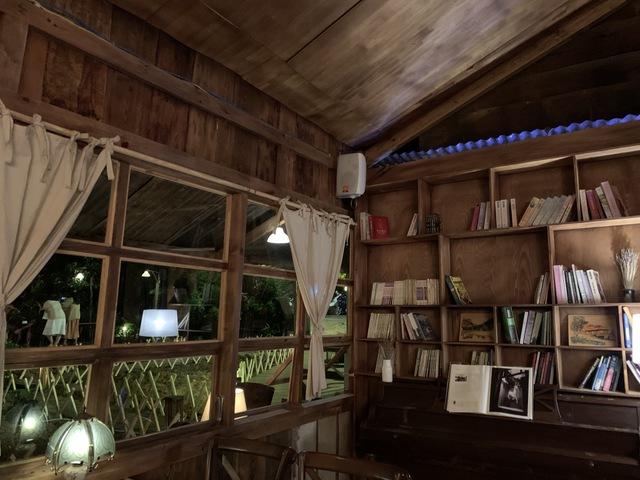 'Túi mơ to giấu trong lớp ngoài gầy guộc' giữa lòng Đà Lạt: Tiệm cà phê có tới 7749 góc sống ảo, đẹp lãng mạn từ lúc bình minh cho đến đêm tối - Ảnh 11.