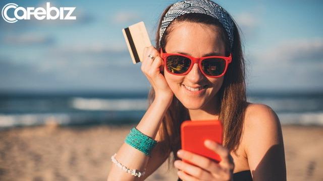 Thẻ tín dụng: Cơ hội chi tiêu hay cái bẫy tài chính của người trẻ? - Ảnh 2.