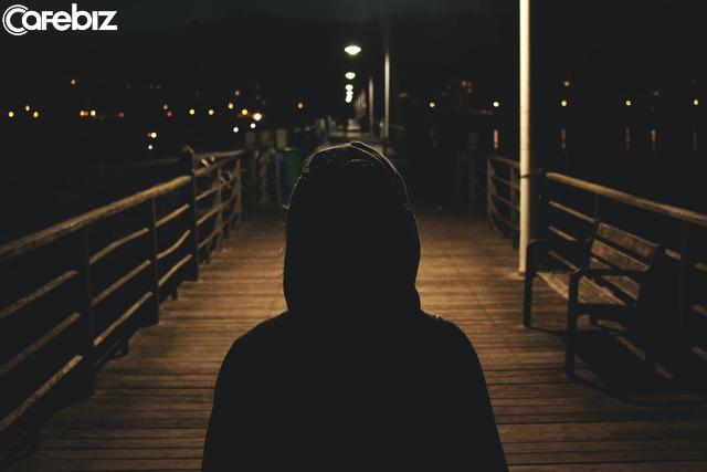 2h sáng, hàng ngàn người suy sụp: Chấp nhận những cảm xúc tiêu cực là một bài học bắt buộc trên đường đời của người lớn - Ảnh 3.