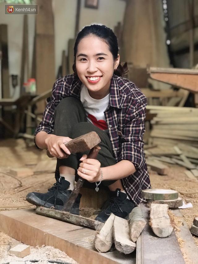 """Bỏ công việc 30 triệu/tháng, mẹ trẻ về làm nghề thợ mộc để """"khắc tiếp ước mơ của bố"""" - Ảnh 3."""