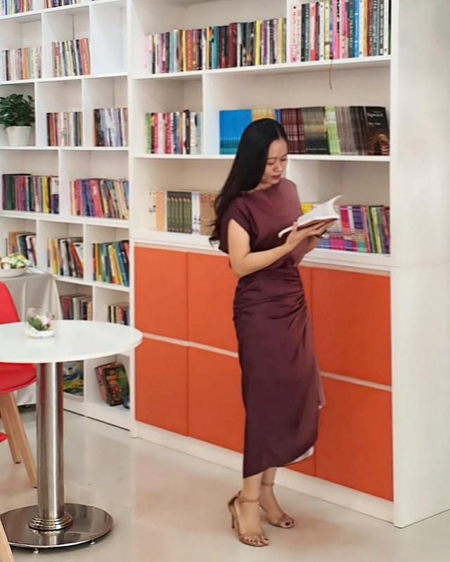 Bí quyết sống tối giản của cô gái Hà Nội: Cắt giảm Facebook 500 bạn còn 6 bạn, giải phóng bộ sưu tập đồng hồ, túi xách - Ảnh 1.