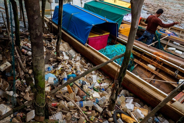 Đất nước vạn đảo đối mặt với thảm họa rác thải khủng khiếp nhất lịch sử - Ảnh 2.