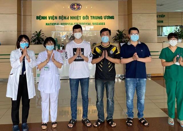 Việt Nam điều trị khỏi 307 trên tổng số 328 ca mắc Covid-19 - Ảnh 1.