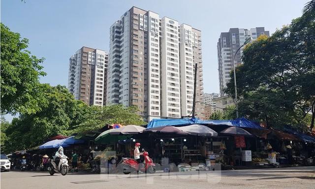 Cư dân đô thị mẫu Hà Nội lo ngại ô đất vàng hạ tầng cuối cùng biến thành cao ốc - Ảnh 2.