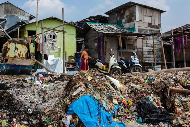 Đất nước vạn đảo đối mặt với thảm họa rác thải khủng khiếp nhất lịch sử - Ảnh 4.