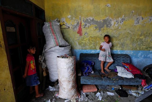 Đất nước vạn đảo đối mặt với thảm họa rác thải khủng khiếp nhất lịch sử - Ảnh 6.