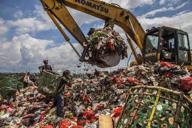 Đất nước vạn đảo đối mặt với thảm họa rác thải khủng khiếp nhất lịch sử - Ảnh 8.