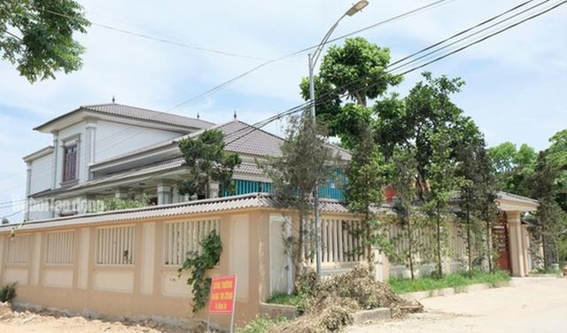 Bất ngờ với những ngôi nhà của hộ cận nghèo ở xã có 712 hộ cận nghèo  - Ảnh 1.