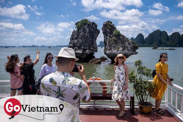 Bloomberg: Việt Nam thoát khỏi bẫy du lịch Covid-19, là hình mẫu để các quốc gia khác noi theo - Ảnh 1.