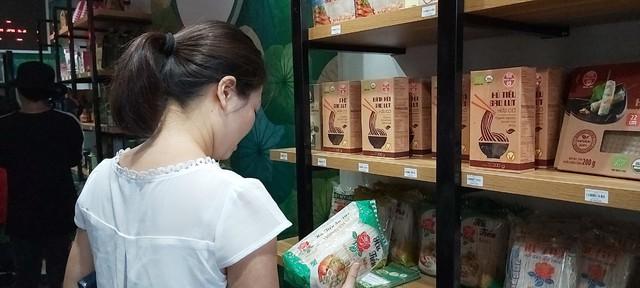 Tỉnh Đồng Tháp – 'bàn tay vàng trong làng khởi nghiệp': Khai trương cửa hàng đặc sản đầu tiên tại Hà Nội, chuyên giới thiệu sản phẩm của startup đất Sen hồng - Ảnh 10.