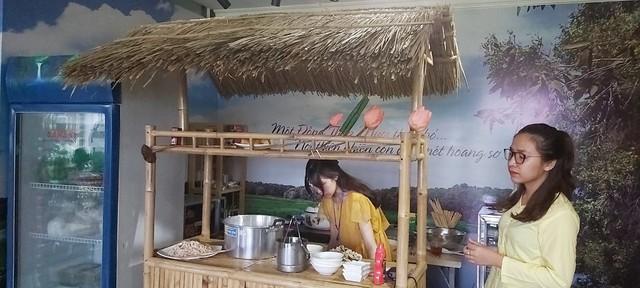 Tỉnh Đồng Tháp – 'bàn tay vàng trong làng khởi nghiệp': Khai trương cửa hàng đặc sản đầu tiên tại Hà Nội, chuyên giới thiệu sản phẩm của startup đất Sen hồng - Ảnh 4.