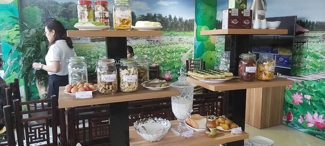 Tỉnh Đồng Tháp – 'bàn tay vàng trong làng khởi nghiệp': Khai trương cửa hàng đặc sản đầu tiên tại Hà Nội, chuyên giới thiệu sản phẩm của startup đất Sen hồng - Ảnh 3.