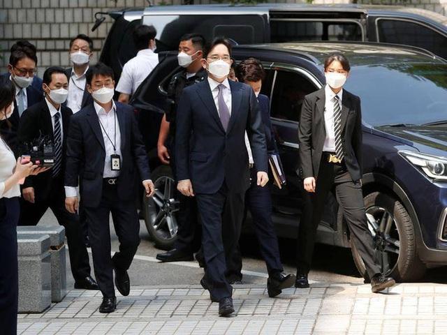 Samsung nín thở chờ phán quyết của tòa với Phó chủ tịch Lee: Danh tiếng tập đoàn và ngôi vị thái tử đang lung lay giữa lúc khó khăn trùng trùng - Ảnh 1.