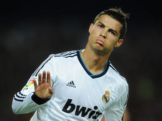 Là cầu thủ đầu tiên có 1 tỷ USD, Cristiano Ronaldo kiếm và tiêu tiền ra sao? - Ảnh 9.