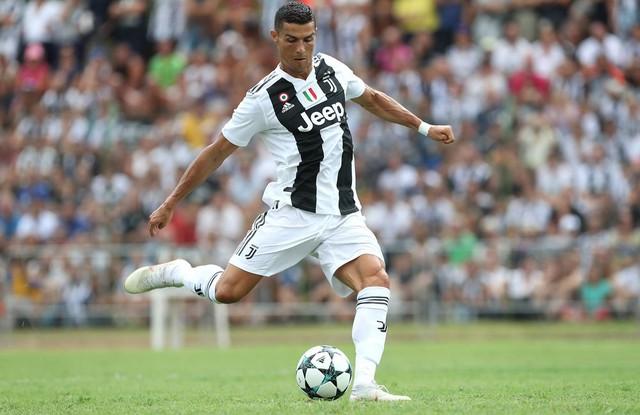 Là cầu thủ đầu tiên có 1 tỷ USD, Cristiano Ronaldo kiếm và tiêu tiền ra sao? - Ảnh 2.