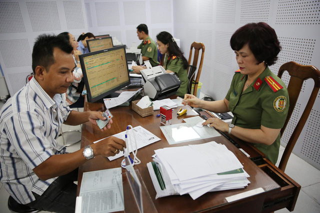 Nhiều luật có hiệu lực từ 1-7 liên quan công chức, viên chức, người lao động  - Ảnh 1.