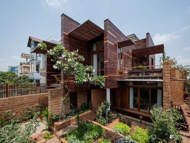 Bố mẹ trẻ xây nhà vườn 300m² giúp các con sống gần gũi với thiên nhiên ở quận Thủ Đức, TP. HCM - Ảnh 2.