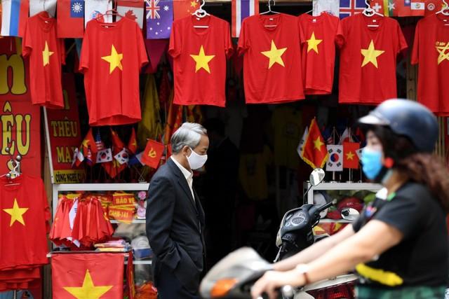 CNBC ca ngợi thành tựu chống dịch Covid-19 chấn động thế giới của Việt Nam - Ảnh 5.