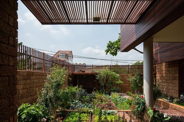 Bố mẹ trẻ xây nhà vườn 300m² giúp các con sống gần gũi với thiên nhiên ở quận Thủ Đức, TP. HCM - Ảnh 14.