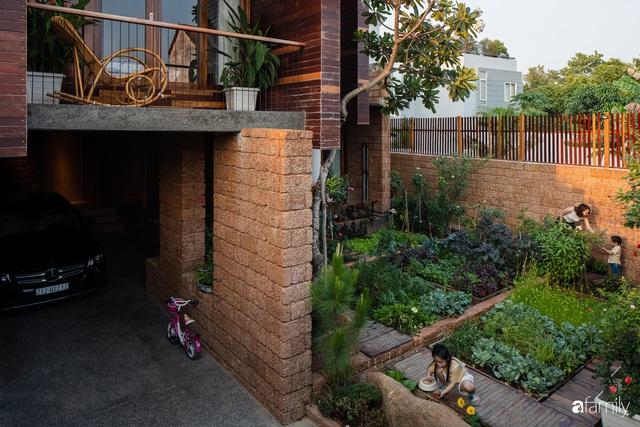 Bố mẹ trẻ xây nhà vườn 300m² giúp các con sống gần gũi với thiên nhiên ở quận Thủ Đức, TP. HCM - Ảnh 15.