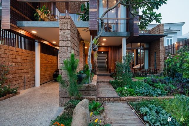 Bố mẹ trẻ xây nhà vườn 300m² giúp các con sống gần gũi với thiên nhiên ở quận Thủ Đức, TP. HCM - Ảnh 5.