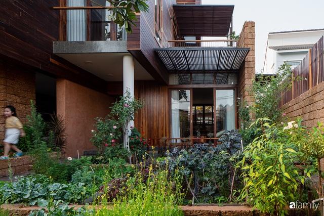 Bố mẹ trẻ xây nhà vườn 300m² giúp các con sống gần gũi với thiên nhiên ở quận Thủ Đức, TP. HCM - Ảnh 8.