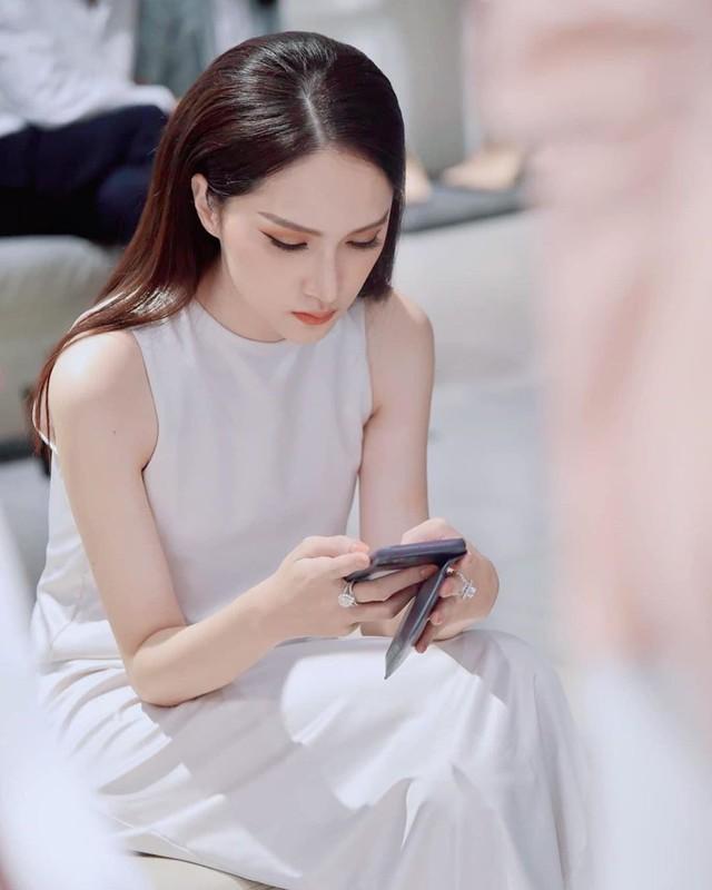 Hoa hậu Hương Giang: Đàn ông không đàng hoàng mới sợ phụ nữ thông minh  - Ảnh 8.