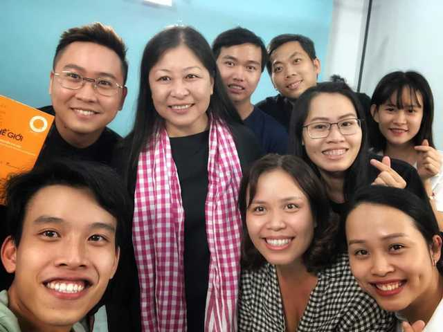 Chuyên gia Nguyễn Phi Vân: Để phát triển bền vững, doanh chủ nhượng quyền cần đa dạng kênh doanh thu, ưu tiên tạo ra nhiều lợi nhuận cho đối tác và chuyển đổi số… - Ảnh 2.