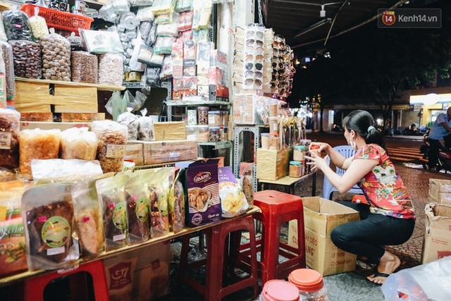 Có một chợ đêm Bến Thành buồn đến nao lòng: Khách Việt còn không có chứ nói chi khách nước ngoài - Ảnh 18.