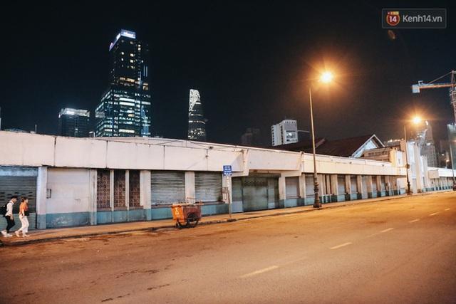 Có một chợ đêm Bến Thành buồn đến nao lòng: Khách Việt còn không có chứ nói chi khách nước ngoài - Ảnh 8.