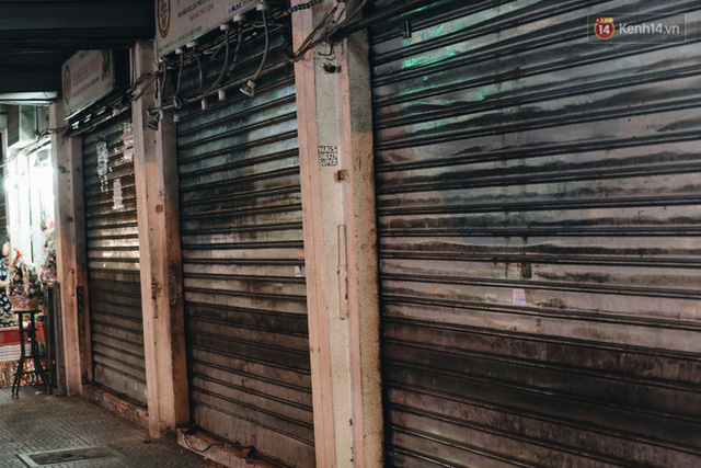 Có một chợ đêm Bến Thành buồn đến nao lòng: Khách Việt còn không có chứ nói chi khách nước ngoài - Ảnh 11.
